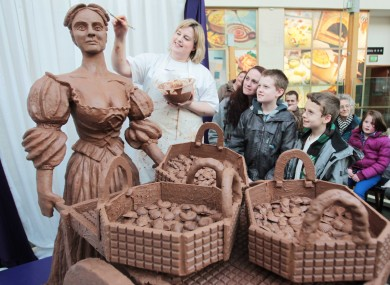 Food artist Prudence Staite creates a chocolate Molly Malone in Dundrum Town Centre today