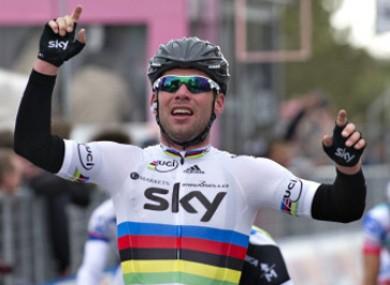 Cavendish celebrates victory.