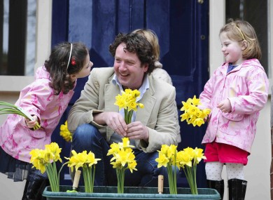 Hello flower! Diarmuid Gavin and two little helpers launch Daffodil Day.