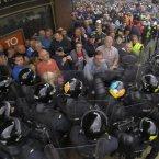 Police clash with loyalist protestors in Belfast city centre: Niall Carson/PA Wire