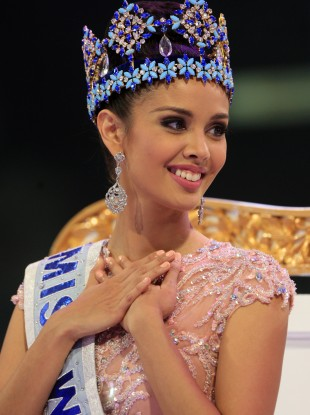 Megan Young of the Philippines smiles after being named Miss World 2013