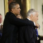 President Barack Obama awards Ben Bradlee, former executive editor of The Washington Post, the Presidential Medal of Freedom.<span class=