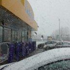 Petrol stop snowing <span class=