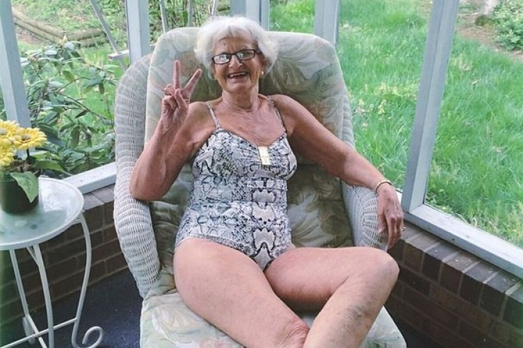 Elderly Women Exposes Their Mature Pussies! - Quality Picture Galleries