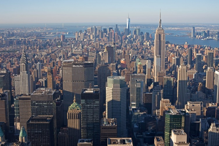 Here Are The Astounding Views From Top Of New York City S Tallest Apartment Building