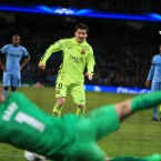 Barcelona's Lionel Messi has his penalty saved by Manchester City goalkeeper Joe Hart.<span class=