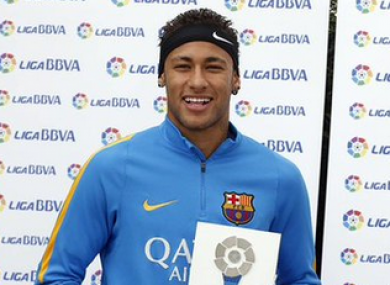 The Brazilian with his award.