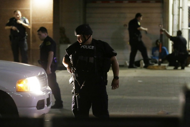 569d18ee7b3e41 Five police shot dead as sniper suspect says he wanted to