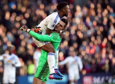 Sunderland goalscoer Jermain Defoe hugs goalkeeper Vito Mannone.