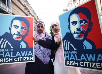 Nosayba (left) and Somaia Halawa, sisters of Ibrahim Halawa, on Grafton Street in Dublin's city centre,