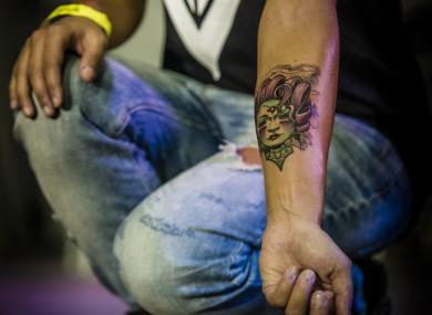 dating mijn tattoo artist dating een schrijver