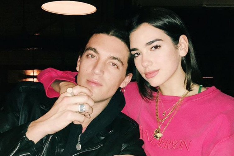 Dua Lipa broke up with her boyfriend and her fans are