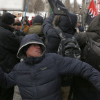 Protestors in March demanded to sever diplomatic relations with Russia and called to block Russian Presidential elections on the Ukrainian territory. <span class=