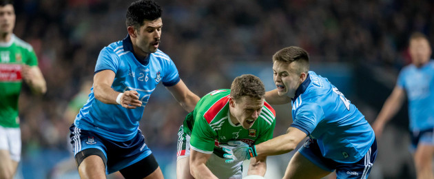 Andy Moran in action against Dublin defenders Cian O'Sullivan and Eoin Murchan.