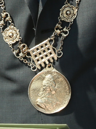 Chains of the Lord Mayor for Dublin.