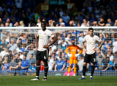 Man United players react during the Everton defeat.