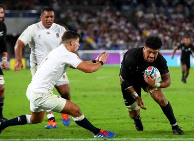Savea crosses for a New Zealand try.