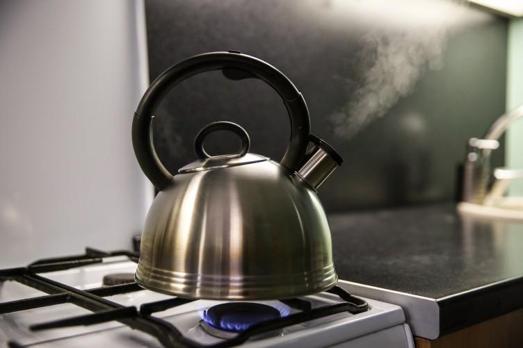 будет картинки с чайником на газовой плите детей, способствующая развитию