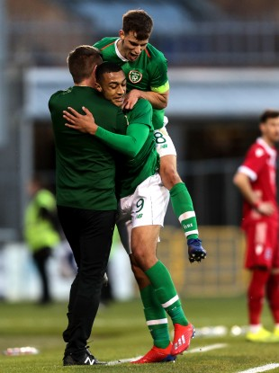 Ireland U21 manager Stephen Kenny with Adam Idah and Jason Molumby.
