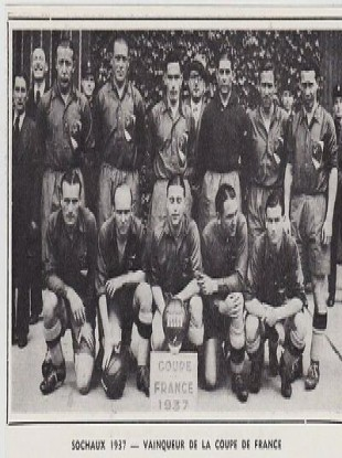 Bernard Williams, bottom right in the front row, lines up with the rest of his Sochaux team-mates in 1937.