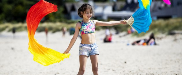 Hannah Purfield (10) from Dublin enjoying the hot weather on Burrow Beach in Sutton.