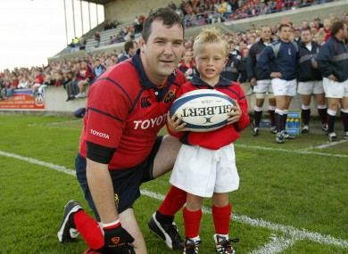 Anthony Foley with Craig Casey in 2005.