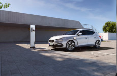 More adventures, fewer emissions: Discover the power of the SEAT Leon e-Hybrid here